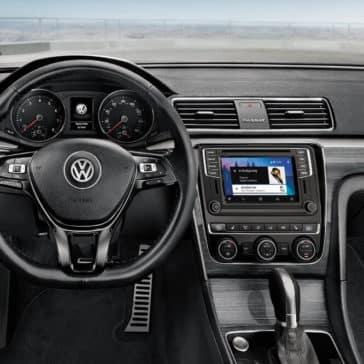 2018 Volkswagen Passat front interior