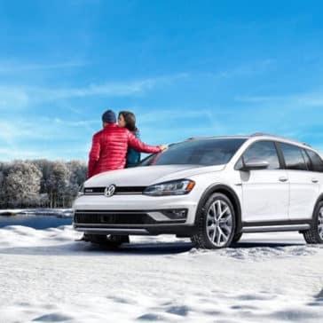 2017 Volkswagen Golf Alltrack white exterior