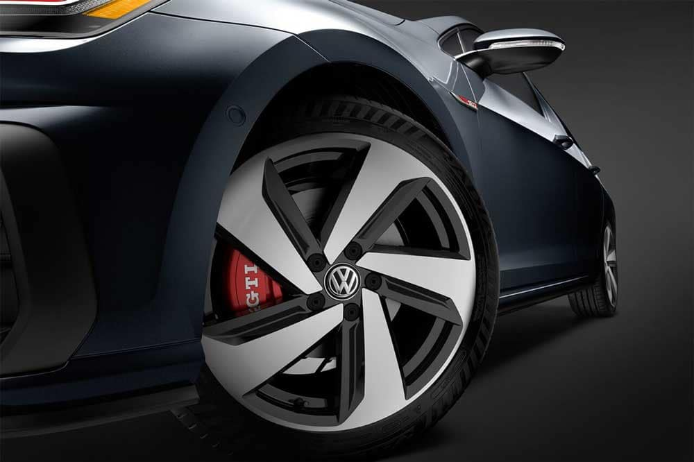 2018 Volkswagen Golf GTI Wheel up close