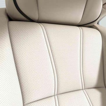 2018 Acura RLX seating