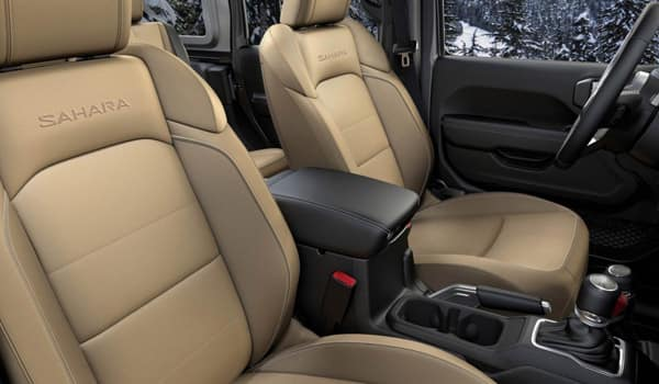 2018 Jeep Wrangler interior features Chicago Ridge, IL