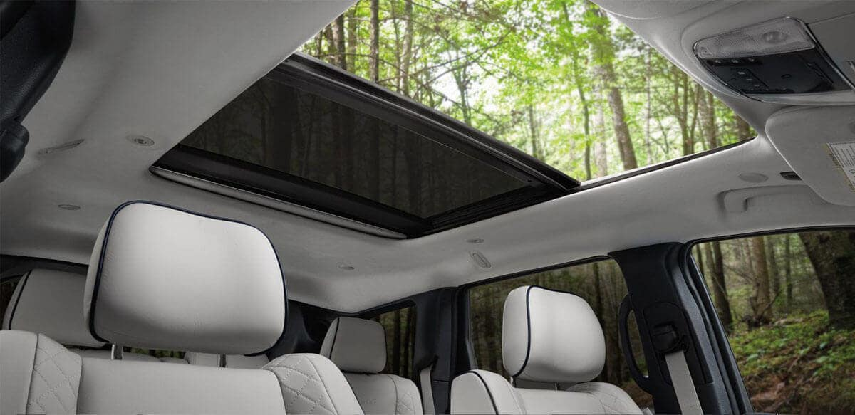 2018 Jeep Grand Cherokee panoramic roof
