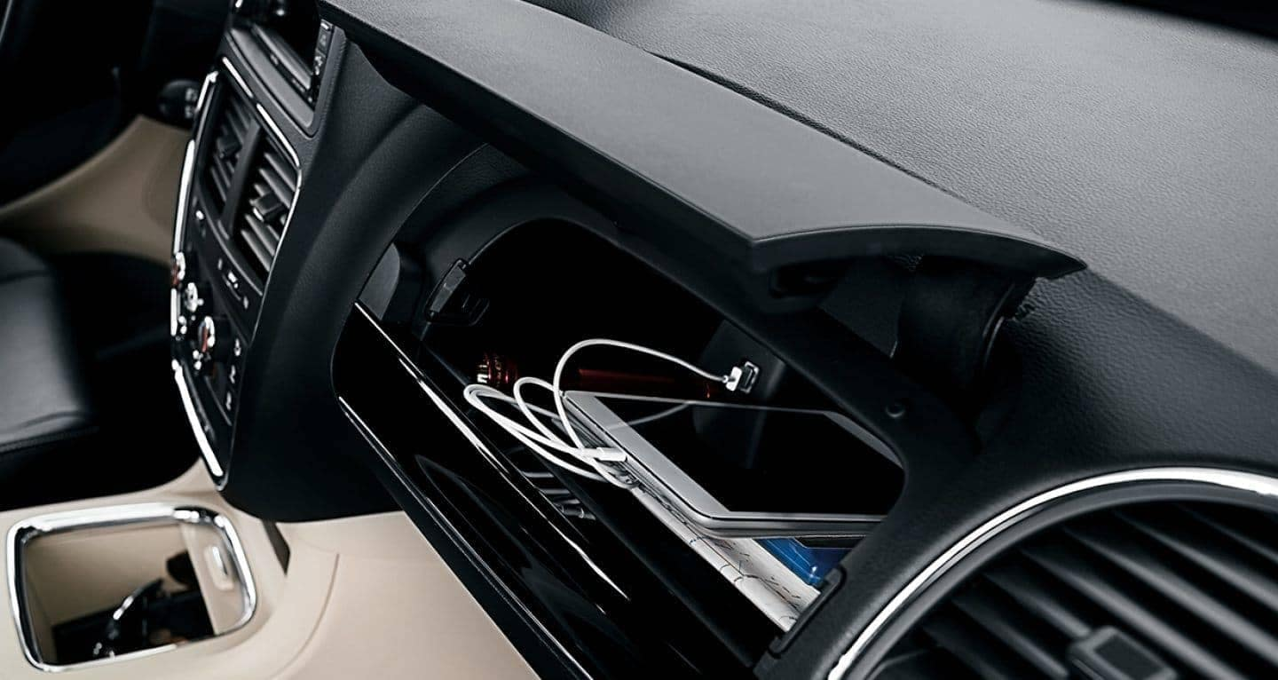 2018 Dodge Grand Caravan glovebox
