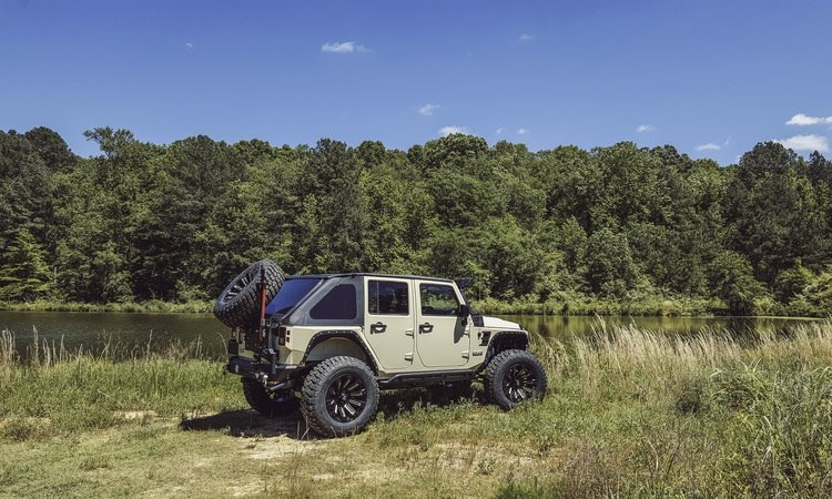 Tan+Jeep+Rear+Quarter