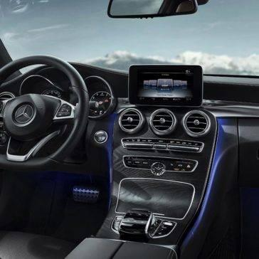 2017-C300-Coupe-interior