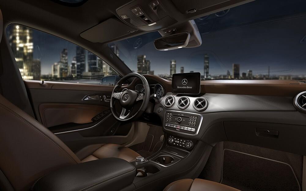 2018 Mercedes-Benz CLA 250 Interior