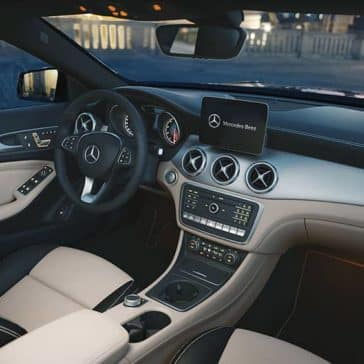 2019 Mercedes-Benz Dash