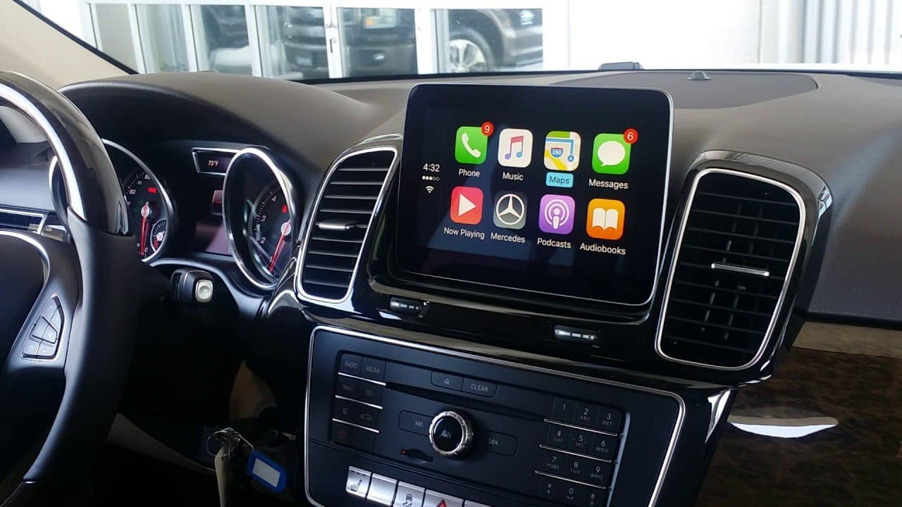 Apple CarPlay and Android Auto Compatibility | Mercedes-Benz