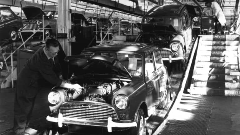 MINI John Cooper Works - Gentlemen, Start Your Transverse Engines