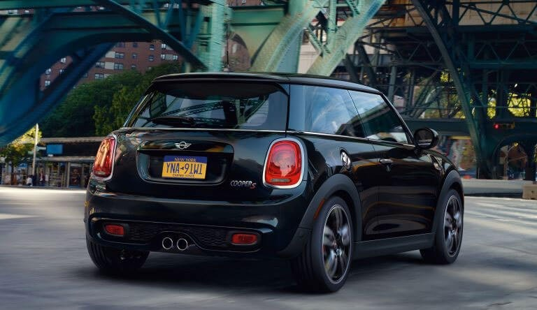 2017 MINI Hardtop 2 Door performance