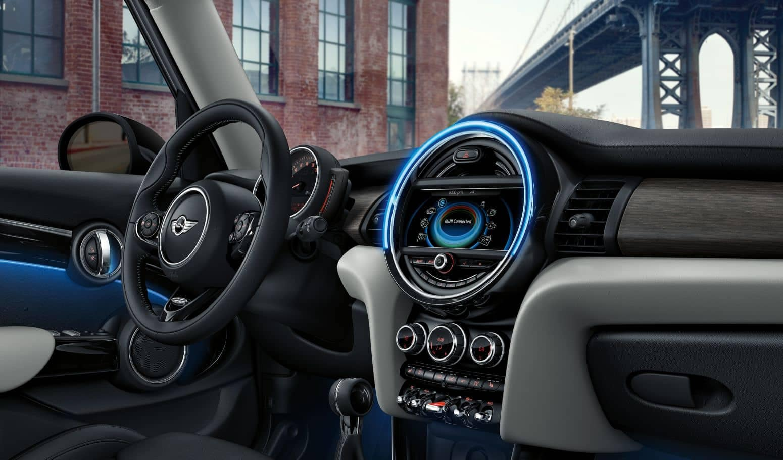 2018 MINI Hardtop 2 door dashboard