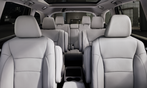 The interior seating arrangment on the 2019 Honda Pilot