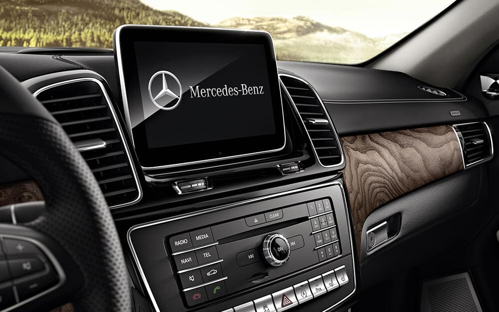 2018 MB AMG GLE 43 front dashboard