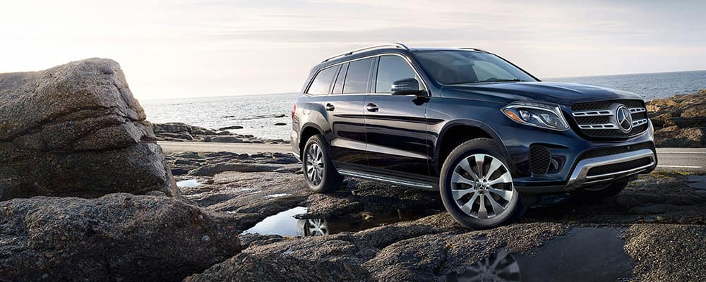 2019 Mercedes-Benz GLS on rocks