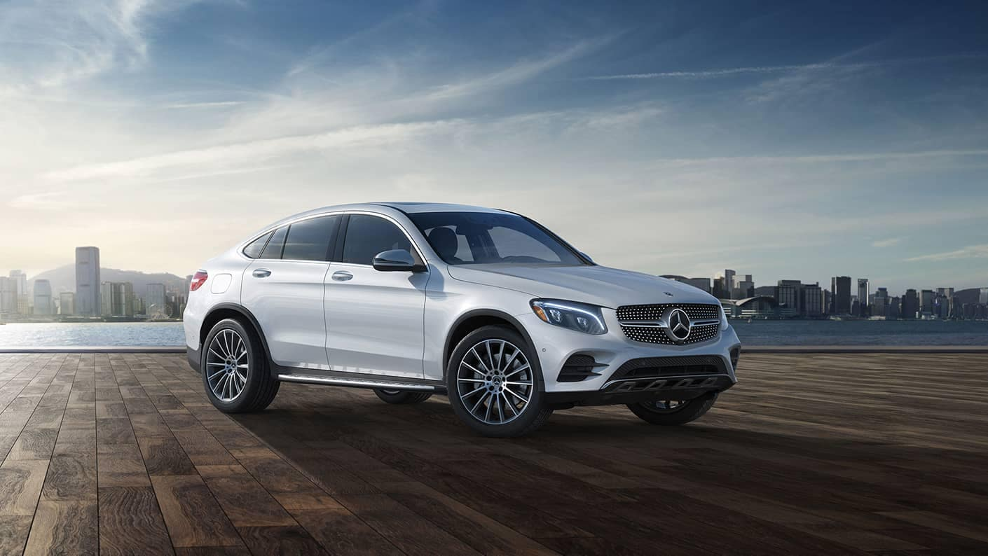2019 Mercedes-Benz GLC city in background