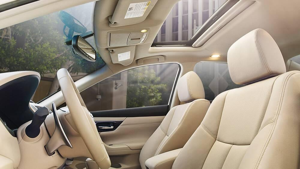 2017 Nissan Altima front interior