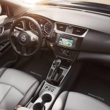 2017 Nissan Sentra front interior