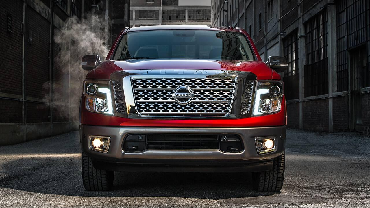 2017 Nissan Titan front exterior up close