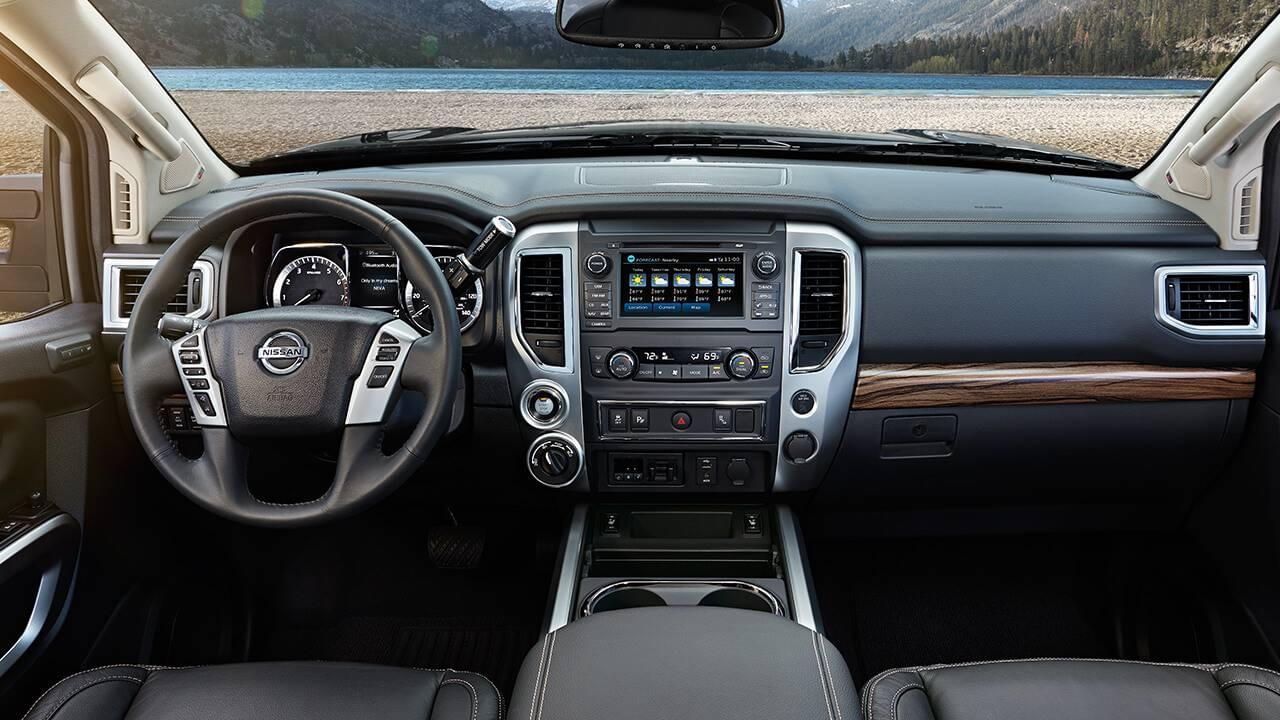 2017 Nissan Titan front interior features