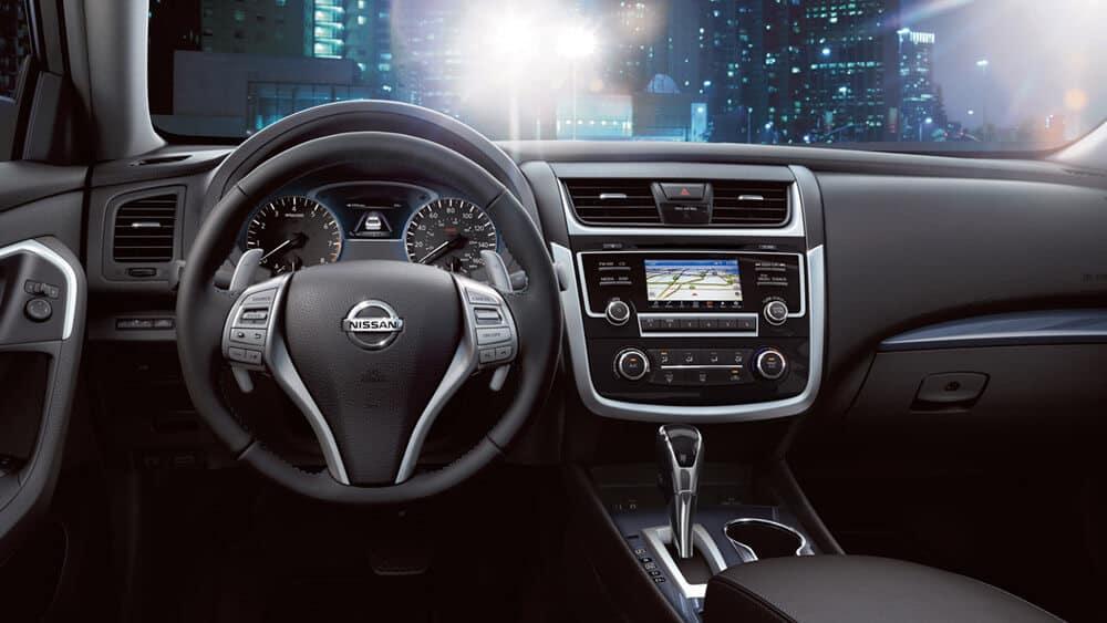 2018 Nissan Altima front interior