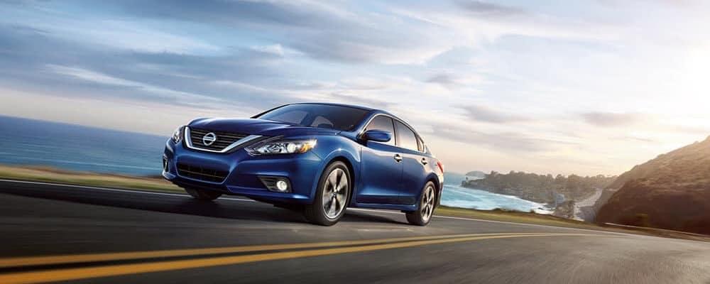 2018 Nissan Altima blue exterior