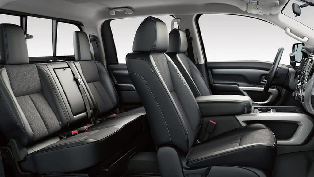2018 Nissan Titan black cloth interior