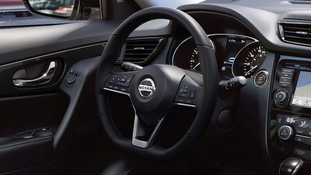 2019 Nissan Rogue steering wheel and dashboard
