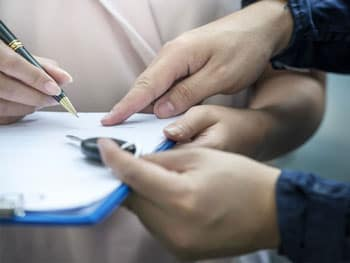 Signature lease