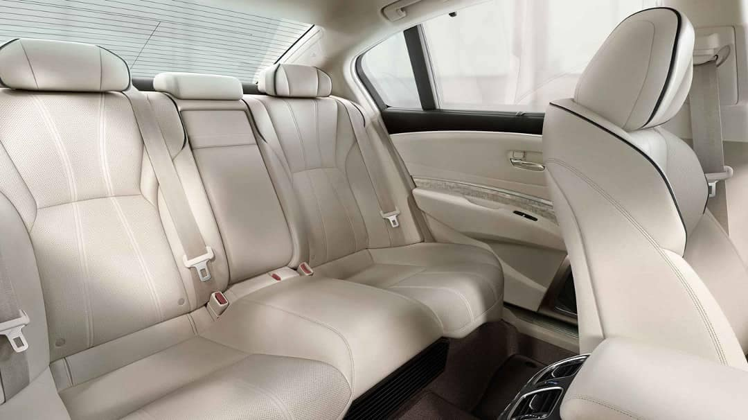 2019 Acura RLX Backseat