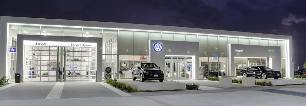 Volkswagen dealership exterior selling used cars in Amarillo Texas