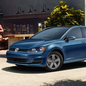 2017 Volkswagen Golf in blue
