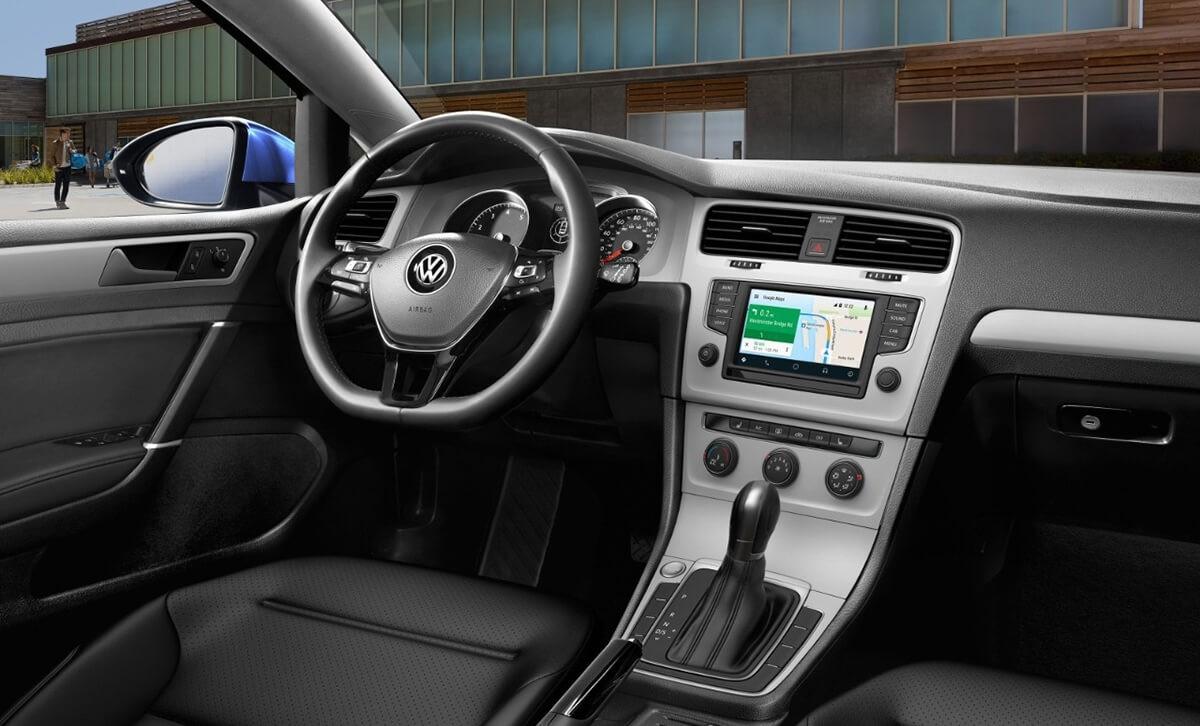 2017 Volkswagen Golf dashboard