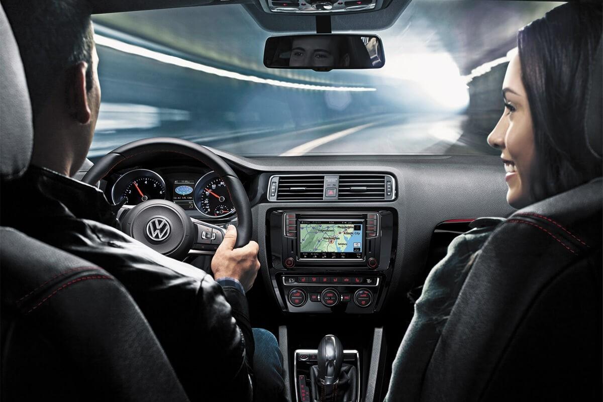2017 Volkswagen Jetta driving navigation
