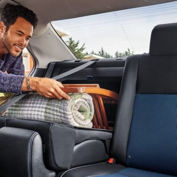 2018 Toyota Corolla folding rear seats
