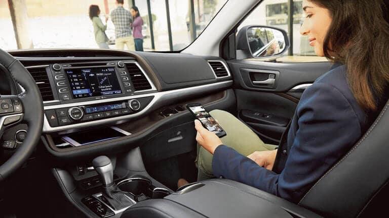 passenger in 2018 Toyota Highlander