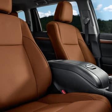 2018 Toyota Highlander interior seats