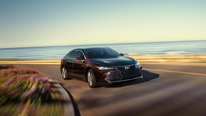 2020 Toyota Avalon Driving