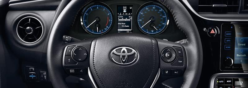2018 Corolla Interior Features