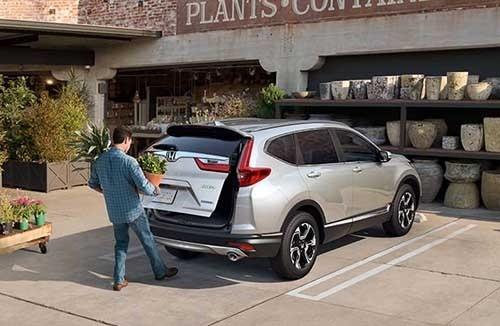 Honda CR-V Touchless Tailgate