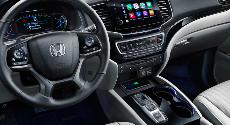 Honda Pilot dashboard and interior