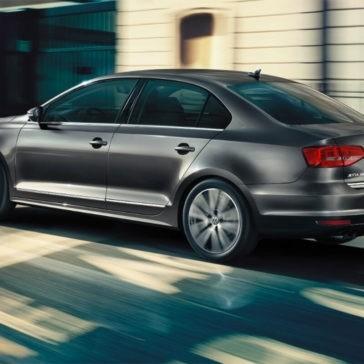 2017 Volkswagen Jetta city driving