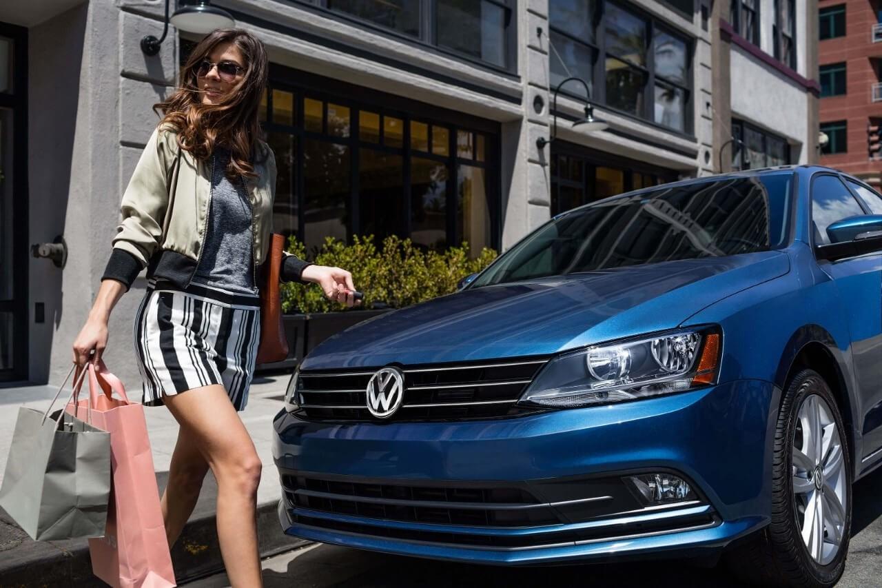 2017 Volkswagen Jetta with pedestrian