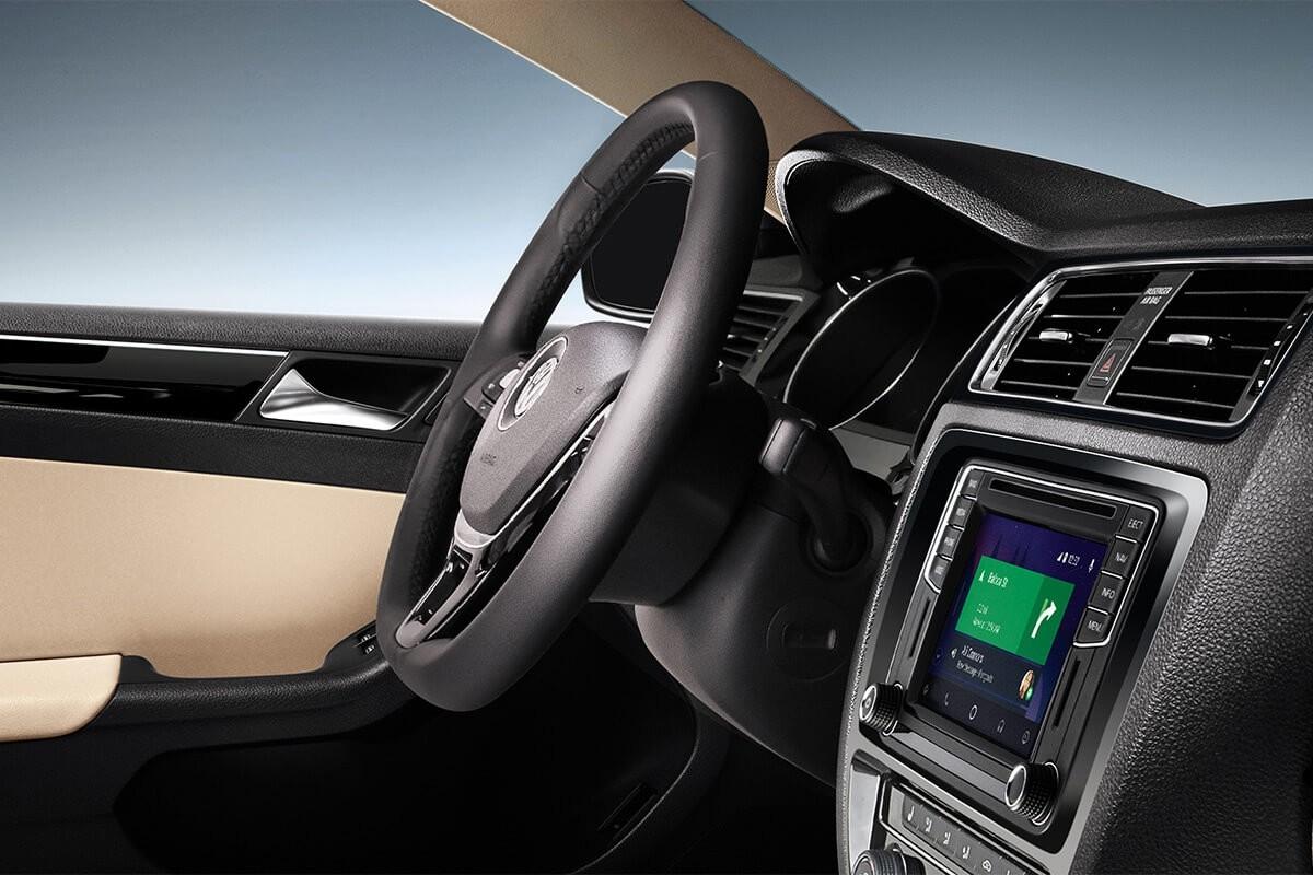 2017 Volkswagen Jetta steering wheel