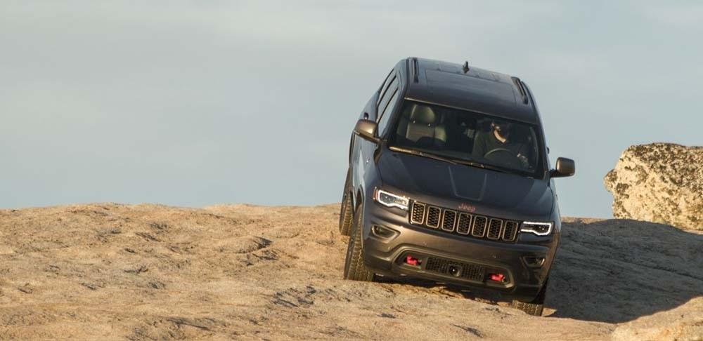 2017 Jeep Grand Cherokee Downhill