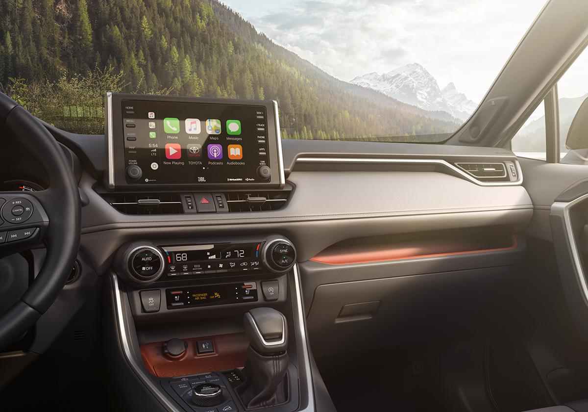 Dashboard with Apple CarPlay