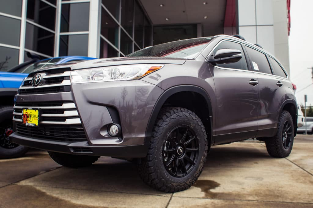 lifted 2019 highlander not your average family suv wilsonville toyota lifted 2019 highlander not your