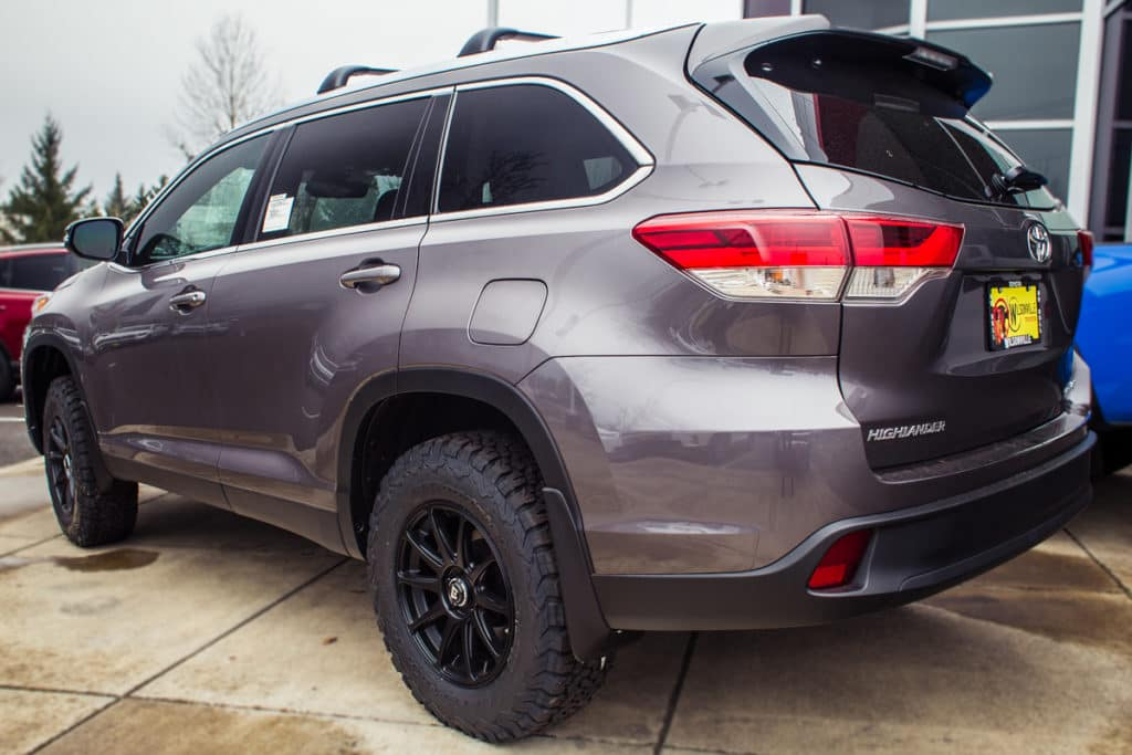 Lifted 2019 Highlander: Not Your Average Family SUV | Wilsonville Toyota