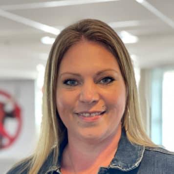 Bonnie Cruz